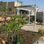 הקמת גינה עם בוסטן וגזיבו עץ